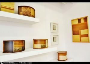 """""""Chaque bois peut correspondre à une facette de la personnalité"""", explique Geneviève Gaboury à propos des urnes funéraires sur mesure."""