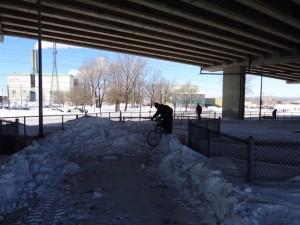 Vélo hiver piste cyclable Corridor du Littéral (Photo courtoisie : Le Vélurbaniste)