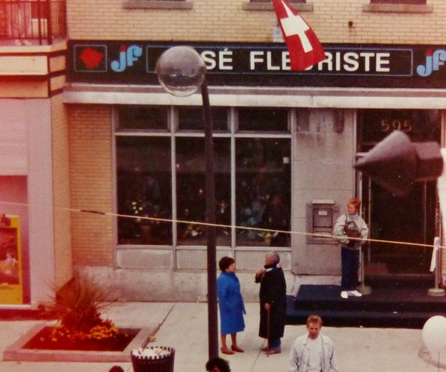 José fleuriste sur la 3e Avenue