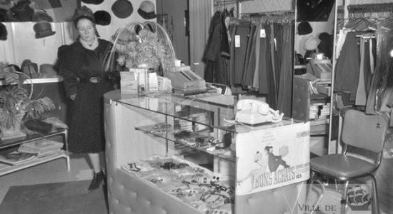 Limoilou dans les années 1960 (77) : intérieur du salon Jolie-Madame - Jean Cazes