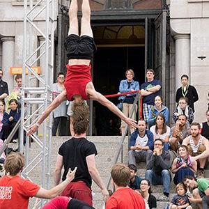 Zoom cirque – spectacles dans les rues de la ville de Québec
