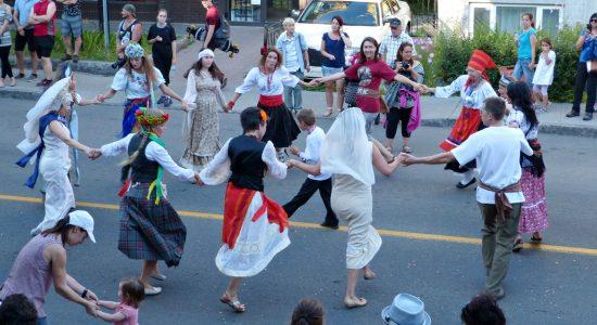 MondoKarnaval : un Arbre-à-souhaits pour favoriser la diversité culturelle - Monlimoilou