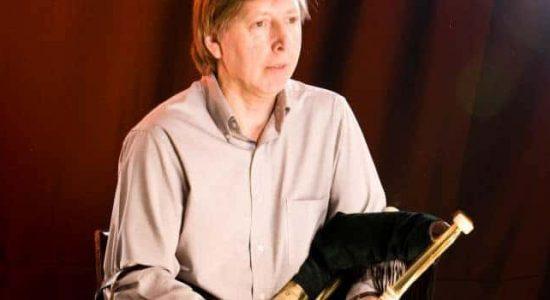 Alan Jones : Joueur de cornemuse et conférencier