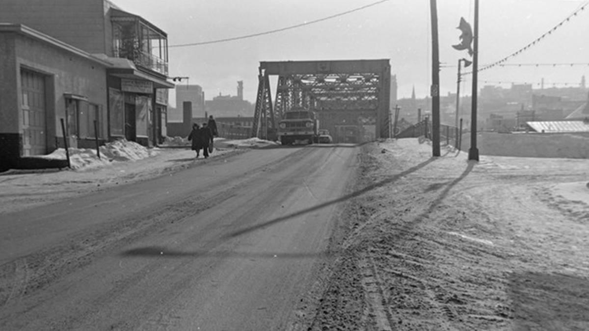 Limoilou dans les années 1960 (85) : le pont de fer Dorchester | 26 novembre 2017 | Article par Jean Cazes