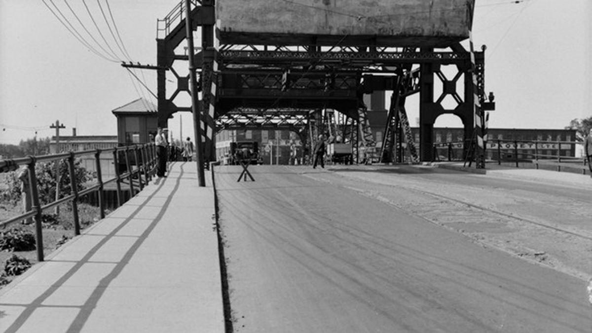Limoilou dans les années 1940 (27) : le pont de fer Drouin | 2 décembre 2017 | Article par Jean Cazes