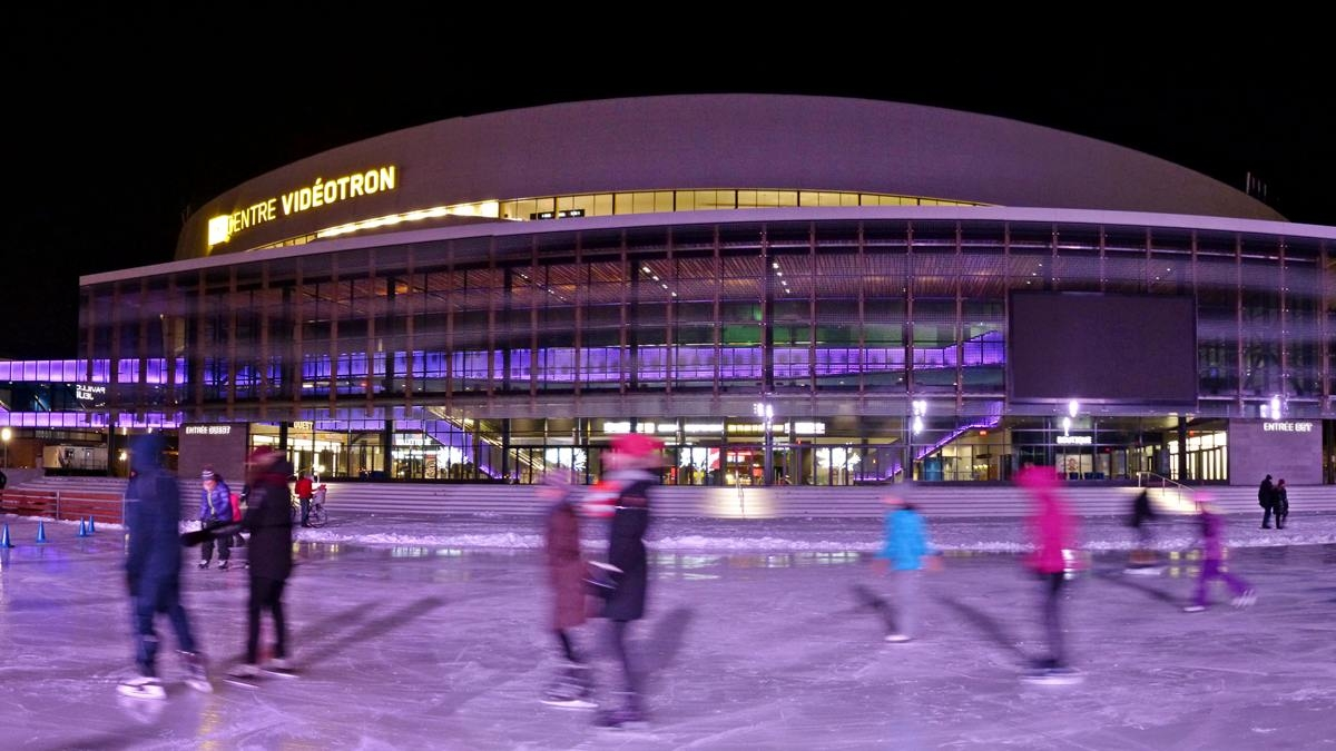 La patinoire et le sentier de glace de la place Jean-Béliveau maintenant accessibles | 11 décembre 2017 | Article par Jean Cazes