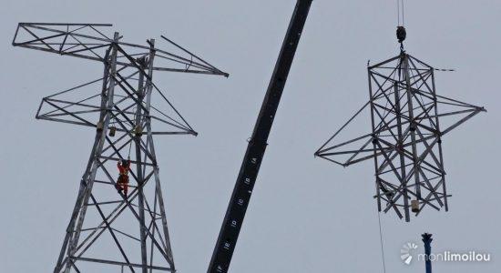 Première section déboulonnée du pylône. 10 mars 2018.