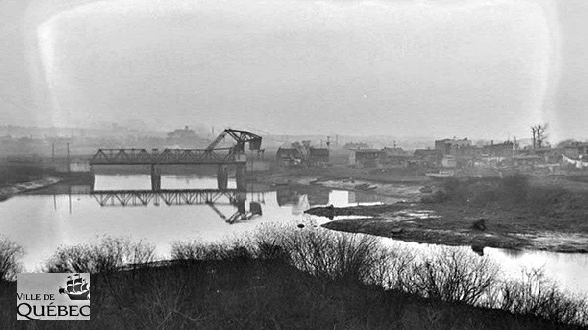 Limoilou dans les années 1940 (32): vue sur la Lairet et le pont Lavigueur | 13 mai 2018 | Article par Jean Cazes