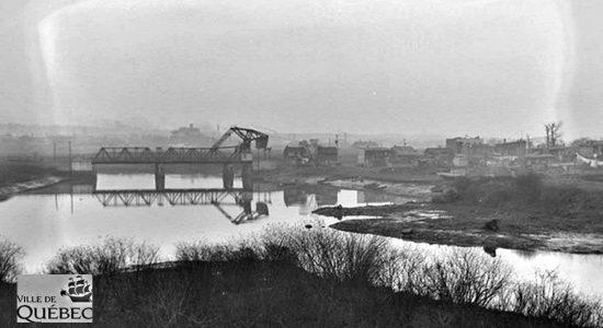 Limoilou dans les années 1940 (32): vue sur la Lairet et le pont Lavigueur - Jean Cazes