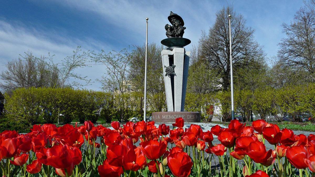 Le parc Mont Thabor et son monument, le 4 mai 2010.