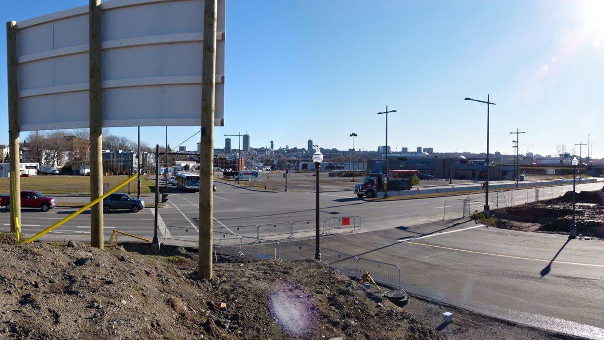 Étape des travaux en date du 20 novembre 2013.  Intersection rue de la Pointe-aux-Lièvres. ExpoCité.