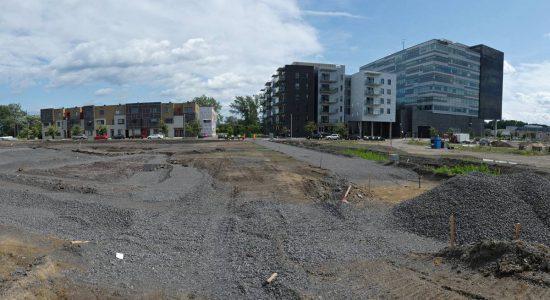 Site de l'écoquartier en date du 11 août 2019. Site de l'îlot  de verdure.