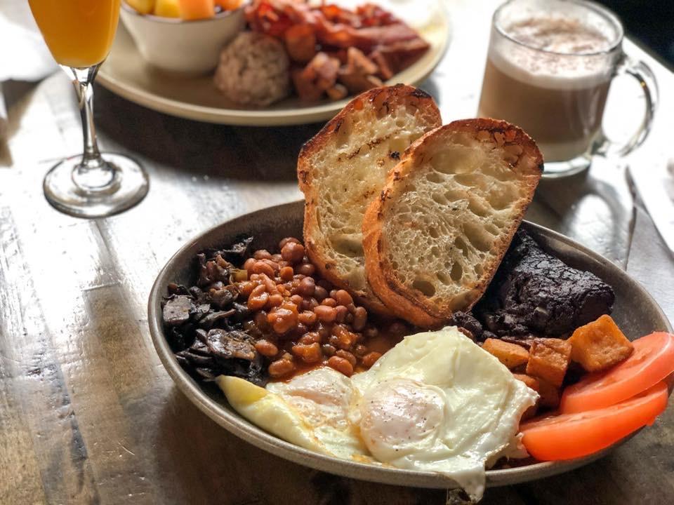 Brunch : Déjeuner irlandais complet | Trèfle (Le)