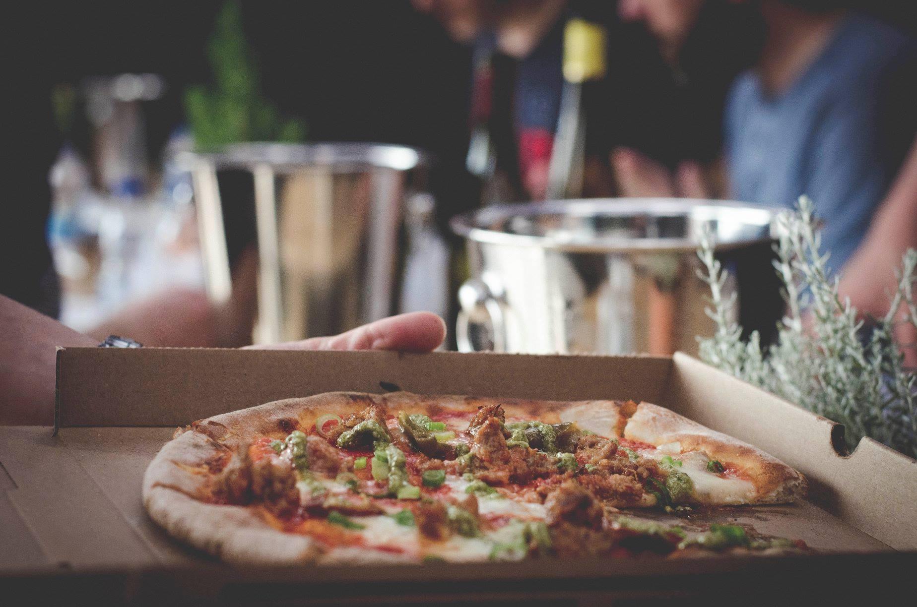 Pizza + vin en livraison/à emporter | NO.900 Pizzeria Napolitaine
