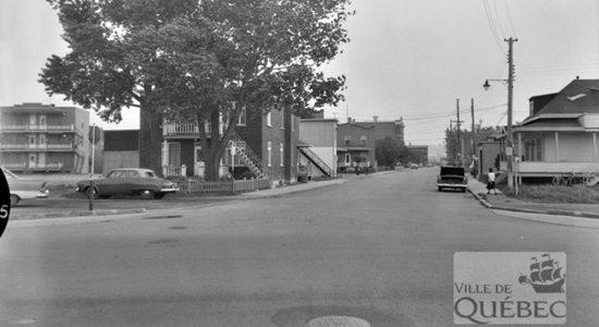 Limoilou dans les années 1960 (80) : rue De Meulles, face à l'Exposition provinciale - Jean Cazes