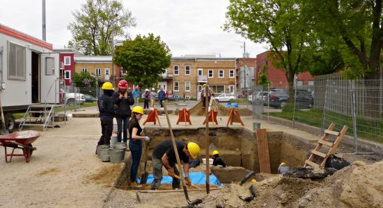 Des fouilles archéologiques en cours entre les 3e et 4e Rue - Jean Cazes