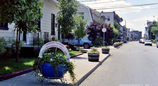 Limoilou dans les années 1980 (12) : jardinières sur la 3e Rue - Jean Cazes
