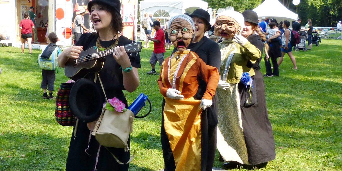 Fer de lance du virage «festival» qu'entend prendre le Domaine, le Festival de marionnettes connaît un beau succès de foule depuis trois ans.