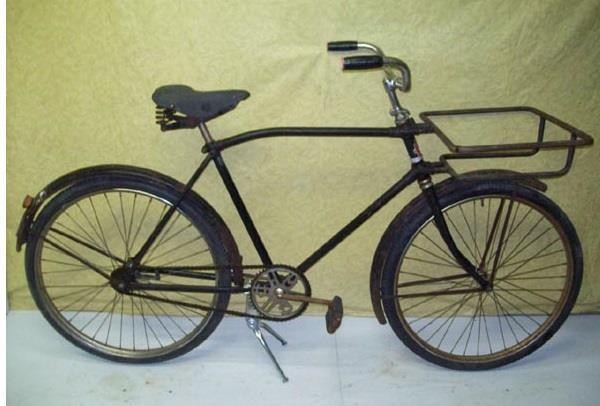 Modèle de vélo de livraison des années 1950.