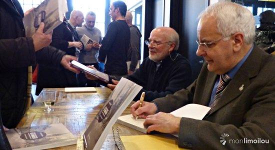 Les auteurs Gilles Gallichan (au premier plan) et Marc Lajoie