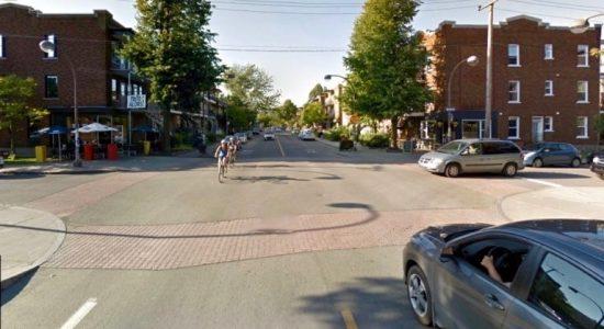 Feu vert à la bande cyclable sur la 3e Avenue - Viviane Asselin
