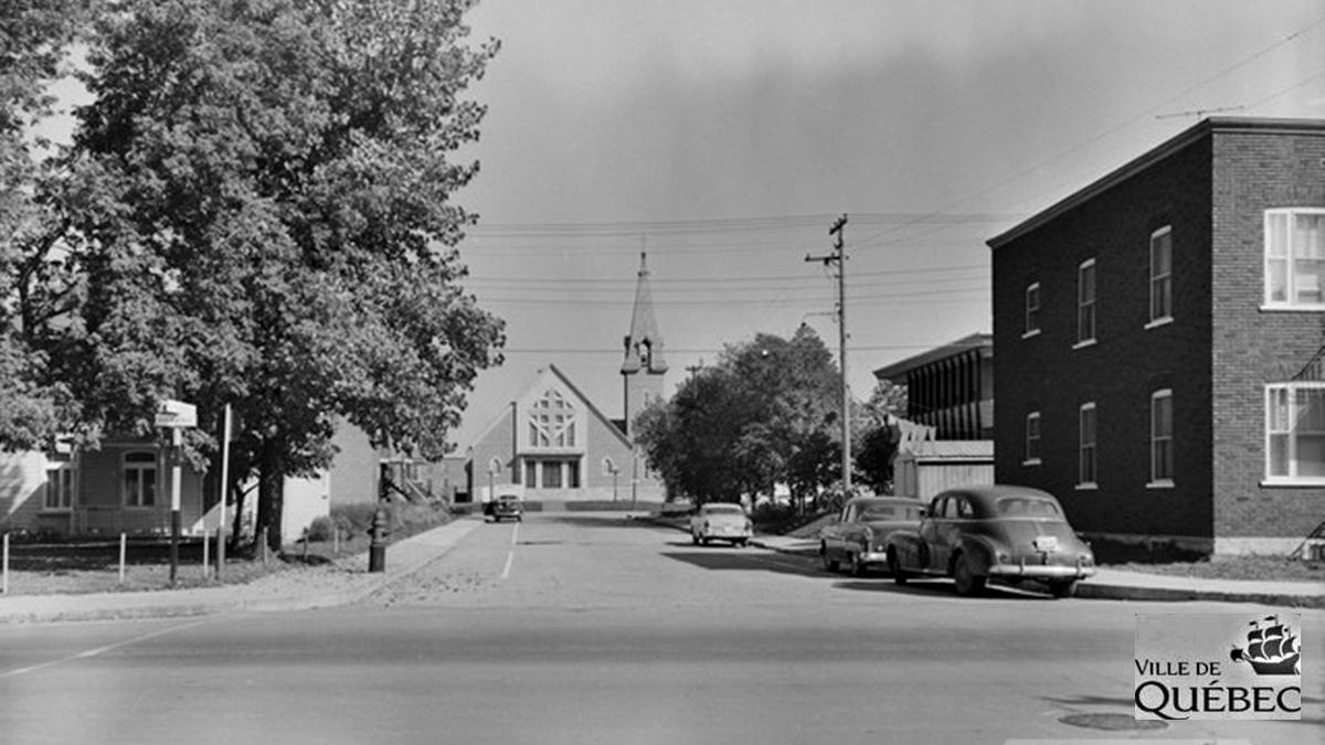 Limoilou dans les années 1950 (42): église Saint-Albert-le-Grand   25 août 2018   Article par Jean Cazes