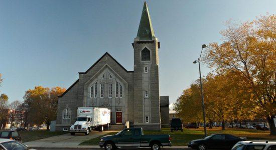 Dix ans de grands chantiers (3) : de l'église de Saint-Pie-X à des maisons de ville - Jean Cazes