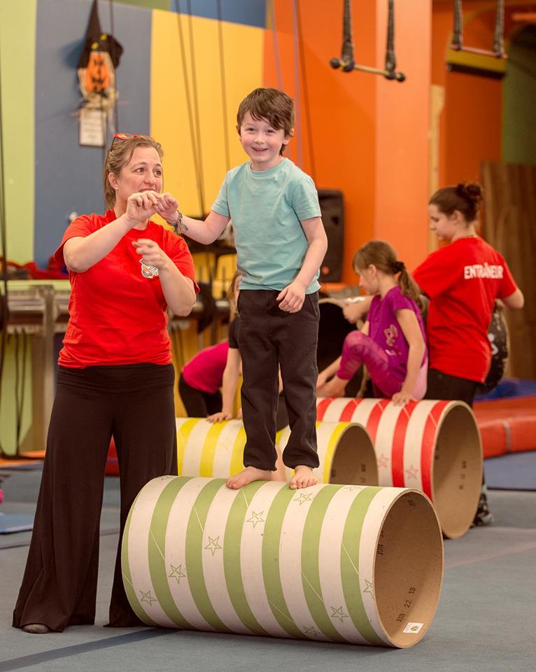 Rabais pour plusieurs membres d'une même famille à l'École de cirque de Québec | Ecole de cirque de Québec