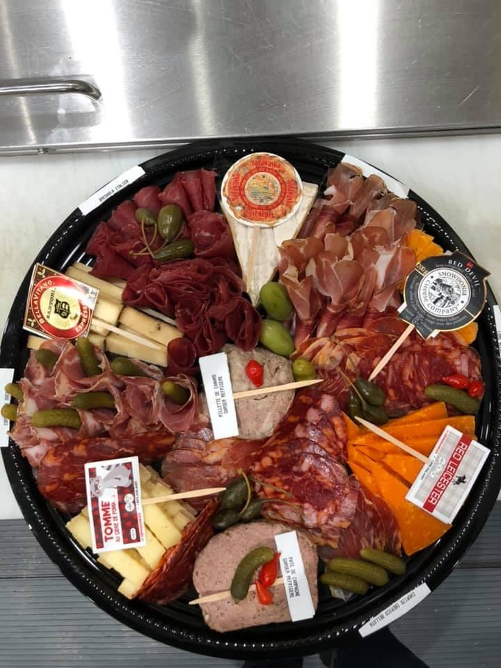 Plateaux de charcuteries et fromages   Réserve (La) – Épicerie fine