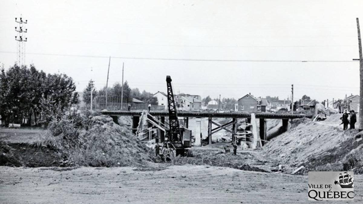 Limoilou dans les années 1940 (37) : construction d'un viaduc dans Maizerets | 6 octobre 2019 | Article par Jean Cazes