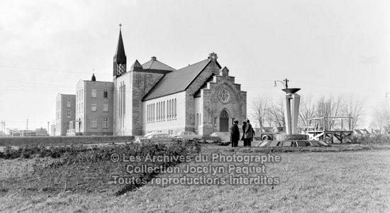 Limoilou dans les années 1960 (114) : inauguration du monument Mont Thabor - Jean Cazes
