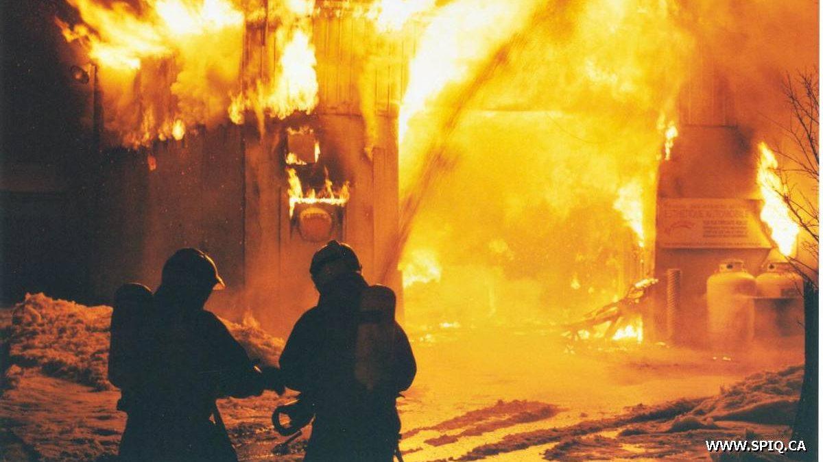 Limoilou dans les années 1990 (6) : l'incendie du lave-auto de la rue de l'Espinay | 12 janvier 2020 | Article par Jean Cazes