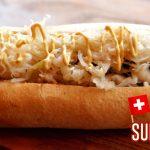 Hot-dog gourmet européen : Le SUISSE - Saucisses et Complices