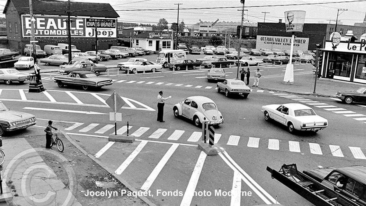 Limoilou dans les années 1960 (130) : agent de circulation au carrefour de la Canardière et des Capucins | 14 juin 2020 | Article par Jean Cazes