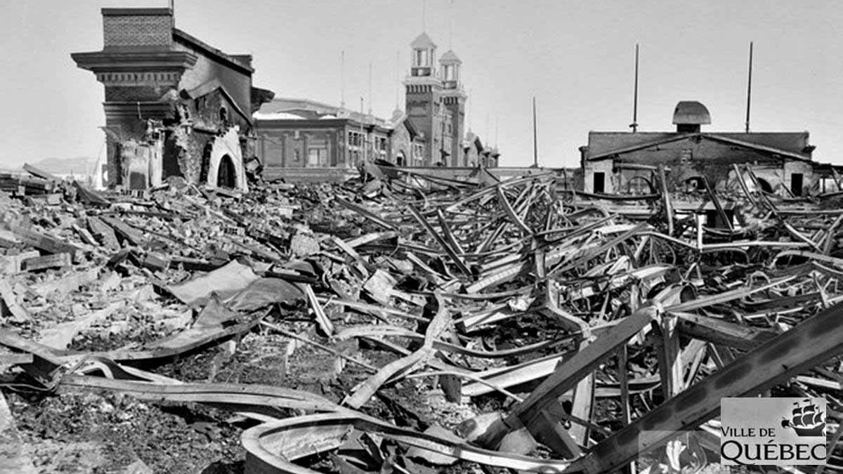 Le petit Colisée incendié. 16 mars 1949.