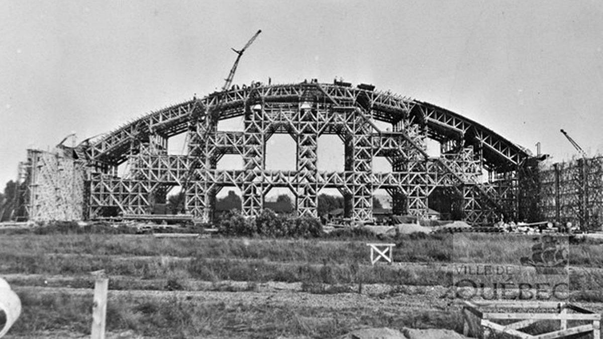 Une histoire du Colisée de Québec : 2- Construire un amphithéâtre en six mois | 8 novembre 2020 | Article par Réjean Lemoine