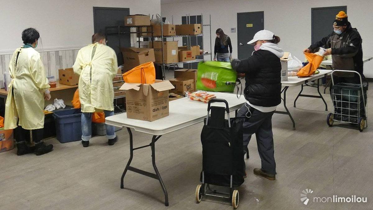 Relais d'Espérance : jour de distribution alimentaire sur fond de pandémie | 10 décembre 2020 | Article par Jean Cazes