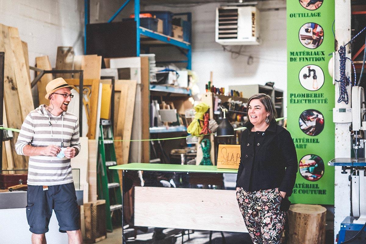Laurent Métais, président du CA de l'Atelier La Patente et Mélanie Pelletier, coresponsable de la Recyclerie